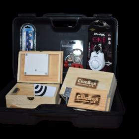 ClueBox set sadrži sve rekvizite potrebne za osmišljavanje i kreiranje escape room igara